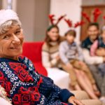 Take Advantage of Holiday Visits to Detect Early Alzheimer's Signs in Seniors